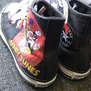 Converse Shoes - Boys converse size 1 looney tunes